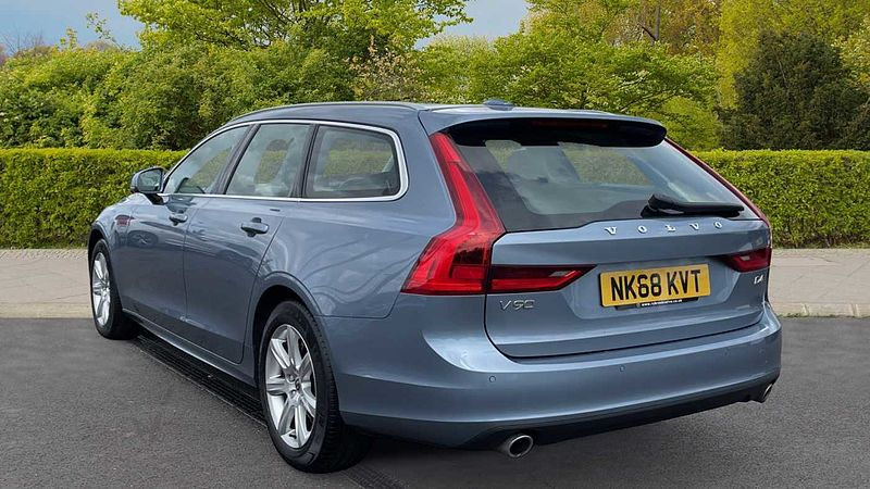 Volvo V90 D4 Momentum Automatic (Adaptive Cruise Control, Power Tailgate, Front & Rear Sensors, Winter Pack)